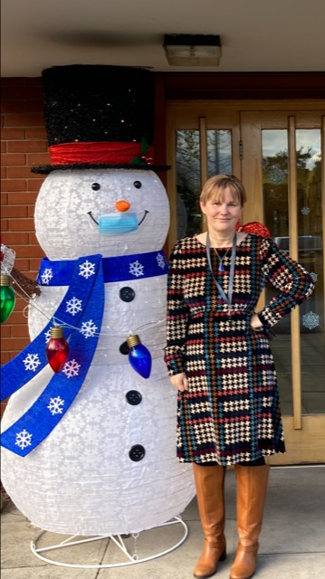 Paula Braynion and a Giant Snowman outside Marle House, Future Directions HQ.